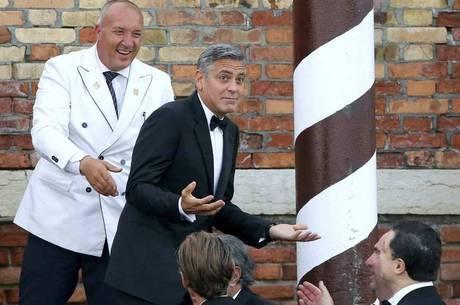 George Clooney durante a cerimônia de casamento em Veneza