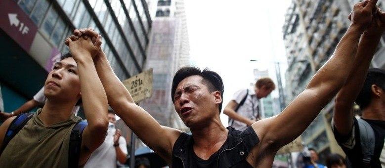Líderes do movimento Occupy Central são libertados sem acusações em Hong  Kong - Notícias - R7 Internacional