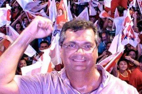 Flavio Dino consegue a reeleição em primeiro turno