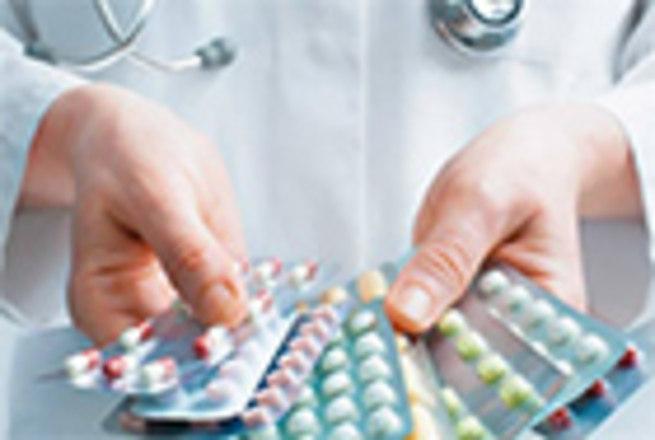 Lotes do medicamento Melleril (cloridrato de tioridazina), para esquizofrenia, foram suspensos. A empresa comunicou recolhimento voluntário do remédio após constatar que drágeas de 100 mg do Melleril foram embaladas erroneamente nos cartuchos de drágeas de 25 mg do mesmo produto