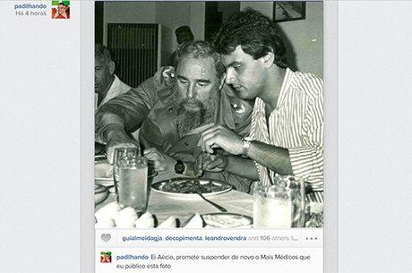 Em rede social, Padilha postou foto de Aécio com Fidel Castro