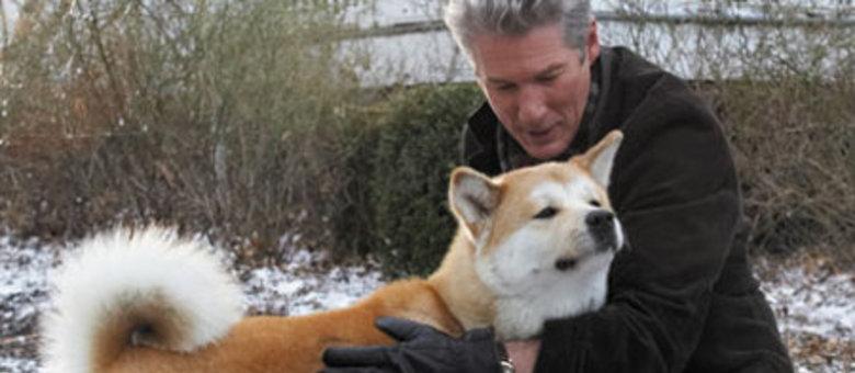 Richard Gere em cena do filme Sempre Ao Seu Lado: o amor de um cachorro pelo dono