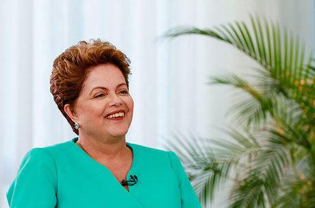 Dilma Rousseff foi reeleita presidente do Brasil neste domingo (26)