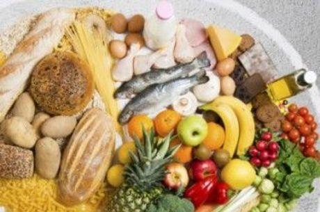 Alimentação balanceada é importante para manter o sistema imunológico funcionando e fugir da gripe