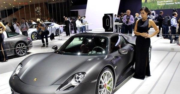 v deo veja como fabricado o porsche 918 spyder not cias r7 carros. Black Bedroom Furniture Sets. Home Design Ideas