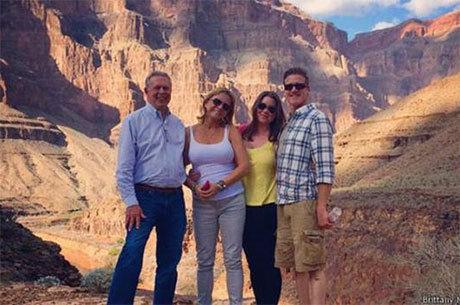 Brittany realizou o último desejo da lista há poucos dias: visitar o Grand Cânion com seus pais e o marido