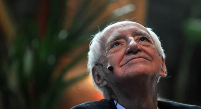 Zé Celso, fundador do lendário Teatro Oficina, conversa com Camila Busnello