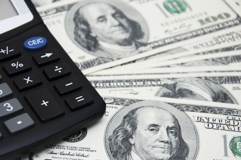 Dólar avança e atinge novamente maior valor desde 2005