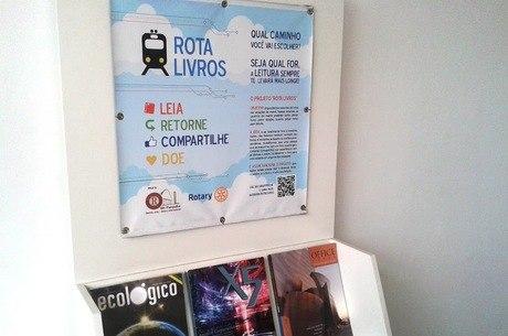Estante de livros ficará na Estação São Gabriel