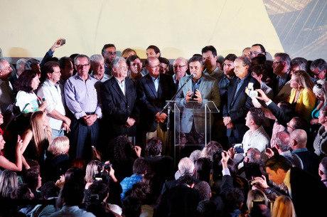 """Tucano veio """"agradecer"""" o apoio dos paulistas na eleição"""