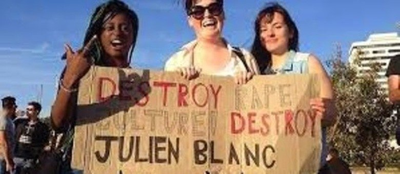 As manifestações contra os métodos de sedução de Julien Blanc ganham força com as redes sociais