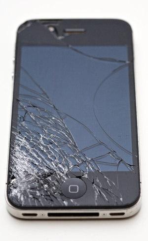 Smartphones com telas quebradas também têm vez no mercado de seminovos
