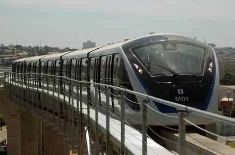 Na Linha 15-Prata, os trens ainda não cumprem regras do edital de licitação