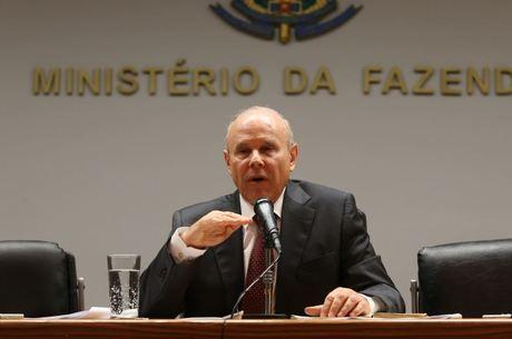 Mantega foi ministro durante os mandatos de Lula e Dilma