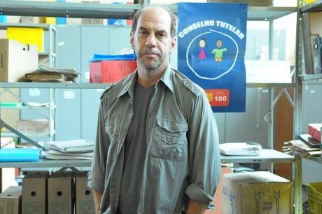 Bomtempo é protagonista da minissérie, ao lado de Paulo Vilella
