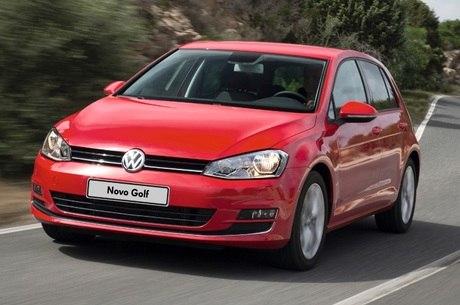 Volkswagen Golf: brasileiro trabalha quatro vezes mais que alemão para comprá-lo. E ainda paga mais caro