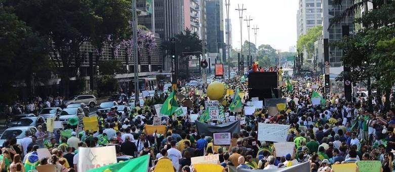 Manifestação na Avenida Paulista, em 2014: ato organizado pelas redes sociais pretende mobilizar manifestantes até fora do país