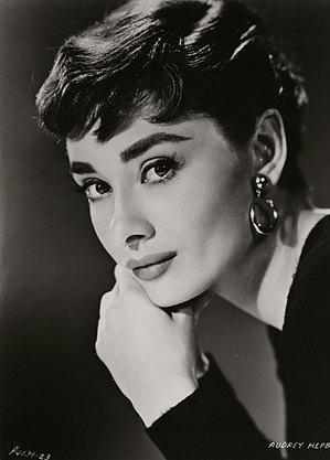 Série sobre Audrey Hepburn será produzida por Jacqueline Hoyt