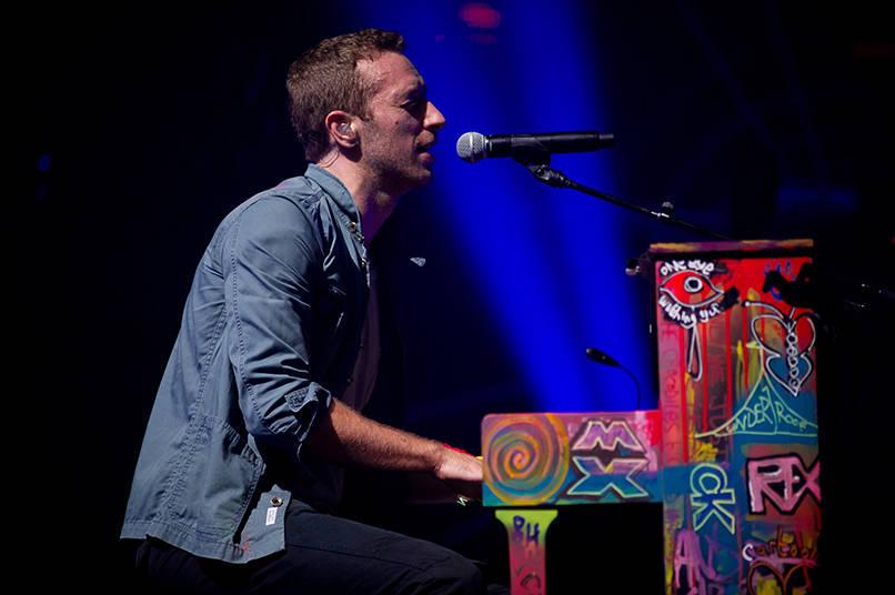Coldplay lança música da trilha do filme 'Invencível' na internet