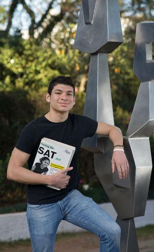 No ano passado, Gustavo ganhou outra bolsa de estudos e foi fazer um curso de verão na universidade de Yale