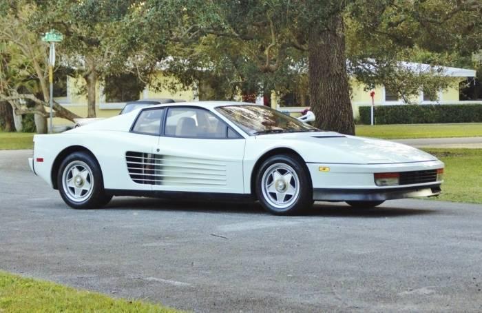 Presente de última hora: Ferrari do Miami Vice por R$ 4,7 milhões no eBay