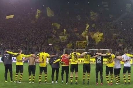 Ao menos o Natal foi comemorado pela torcida do Dortmund