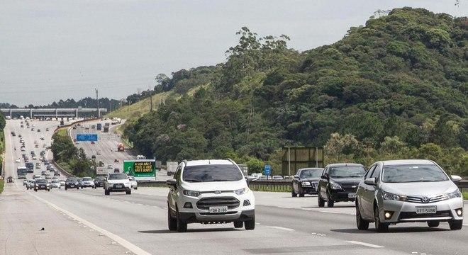 Agentes abordavam os veículos de outras cidades para o preenchimento de um formulário