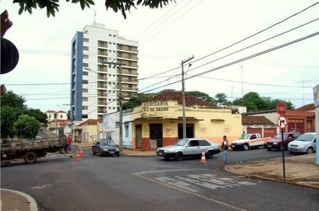 Candidatos e partidos são alvo em Araguari (MG)