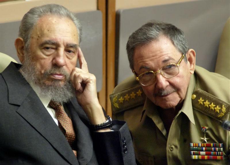 Fidel Castro diz não ter confiança nos Estados Unidos mas apoia solução pacífica
