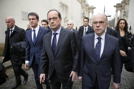 Autoridades francesas se reuniram neste sábado (10)