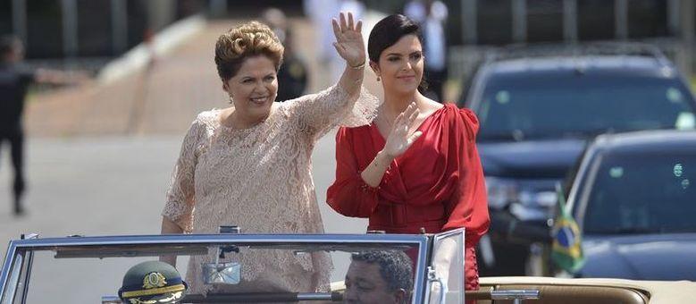 Paula Rousseff desfila com Dilma na cerimônia de posse do segundo mandato em 1º de janeiro