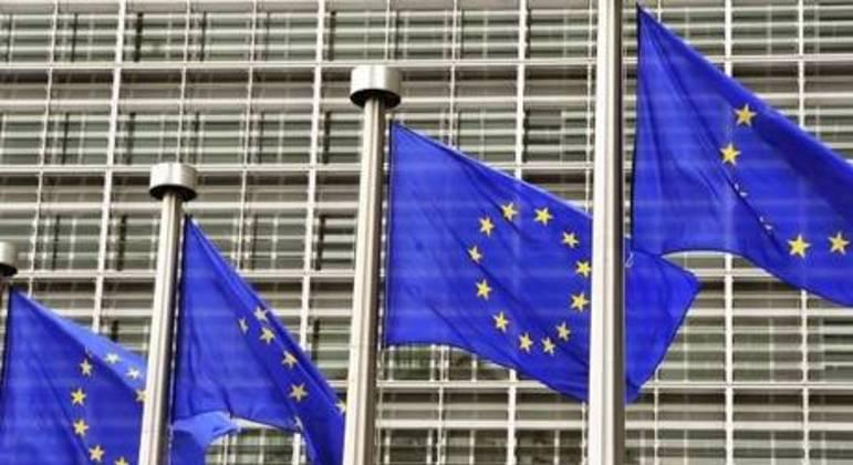 Garantias, linhas de crédito, isenções de impostos e moratórias ajudaram empresas da UE a sobreviver na pandemia