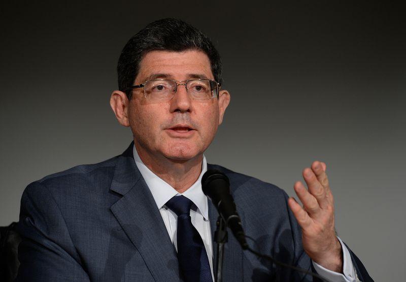 Ministro da Fazenda manda Estados 'fecharem torneiras'