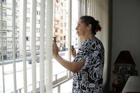 Herondina Oliveira se queixa da falta de privacidade