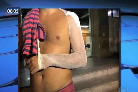 Ciclista foi atingido de raspão no ombro e levado ao hospital