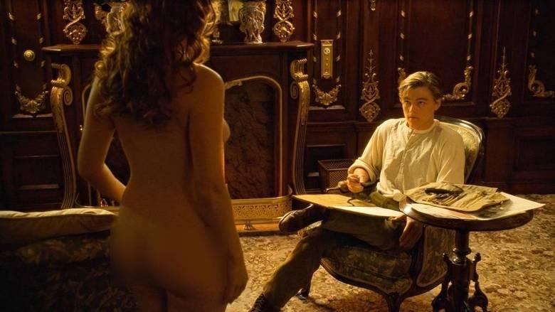 A cena em que Jack desenha Rose em Titanic é uma das mais lembradas da história do cinema. O momento também chamou a atenção de muita gente por conta do bumbum da atriz Kate Winslet