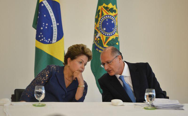 Com medo da crise hídrica, Dilma vai lançar campanha por economia de água
