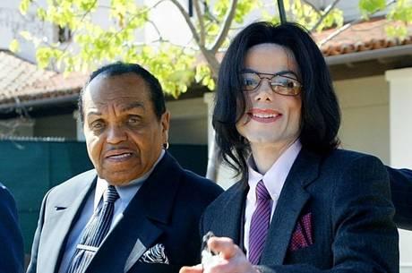 Joa e Michael tiveram relação conturbada
