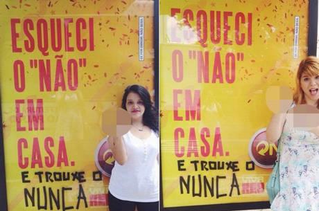 A jornalista Mila Alves e a publicitária Pri Ferrari em frente a intervenção na campanha publicitária da Skol