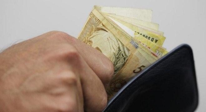 Taxa de juros do cartão e do cheque especial tiveram alta