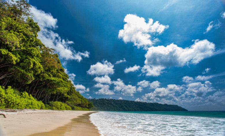 Menos biqu ni e mais protetor praias de nudismo s o uma for Paginas de nudismo