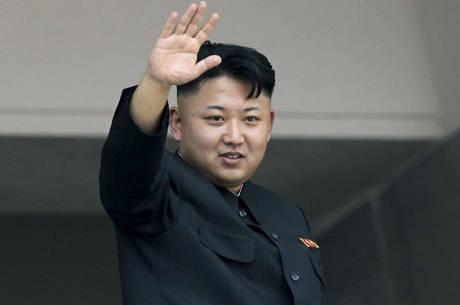 """Kim Jong-un diz que está disposto a falar com Seul sobre """"paz e unificação"""""""