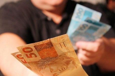 Receita Federal vai devolver pouco mais de R$ 2,7 bilhões
