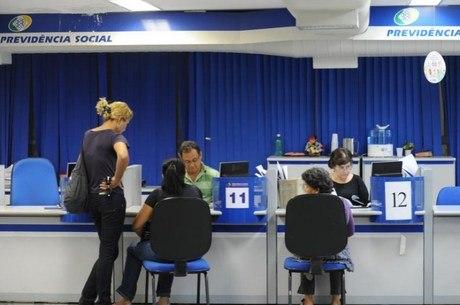 Volume de benefícios concedidos cai mais de 6% em 2017