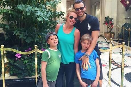 Eles cresceram! Britney Spears posa ao lado dos filhos - Entretenimento -  R7 Pop