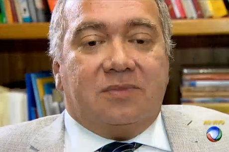 Flávio Roberto de Souza teria cometido irregularidades à frente da 3ª Vara Criminal em razão de problemas psiquiátricos, diz advogado