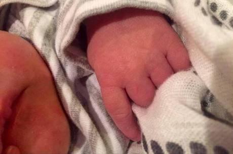 Carrie Underwood anuncia nascimento de seu primeiro filho