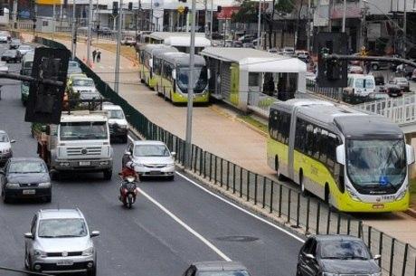 Especialista defende que avenida devia ser uma via de trânsito rápido