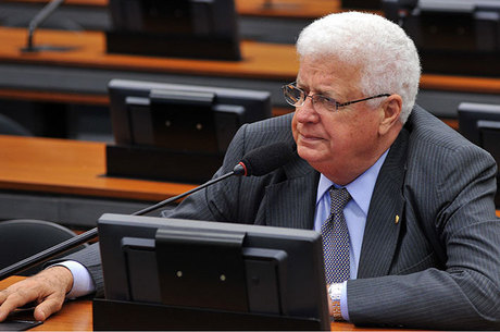 Processo contra Meurer foi arquivado por 8 votos a 4