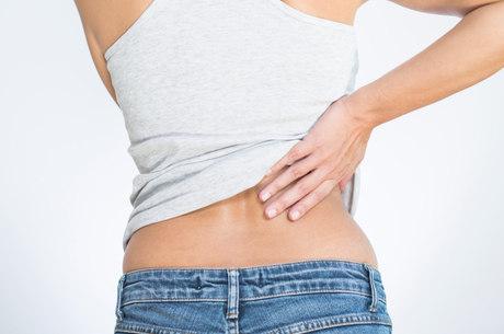 Pernas testículo dor inferior nas abdome e dor no